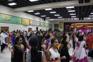 Cummins shares experiences at Hindu festival