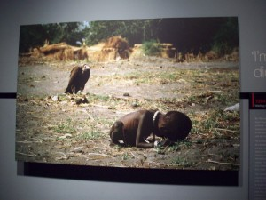 """This photo, """"Waiting Game for Sudanese Child"""", won the Putlizer in 1964."""