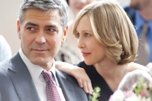 "Company downsizer and frequent flyer Ryan Bingham (George Clooney, left) finally meets a woman with a similar case of corporate wanderlust, Alex (Vera Farmiga, right), in the dramatic comedy ""Up in the Air,"" a Paramount Pictures release. (Dale Robinette/Paramount Pictures/MCT)"